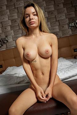 Private housewife Annesca Berlin escort multiple orgasm sex affairs